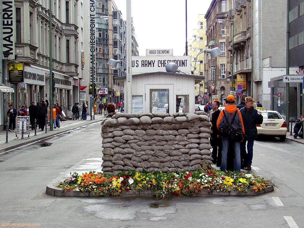 Frontera Checkpoint Charlie