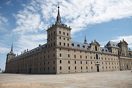 Escorial plaza